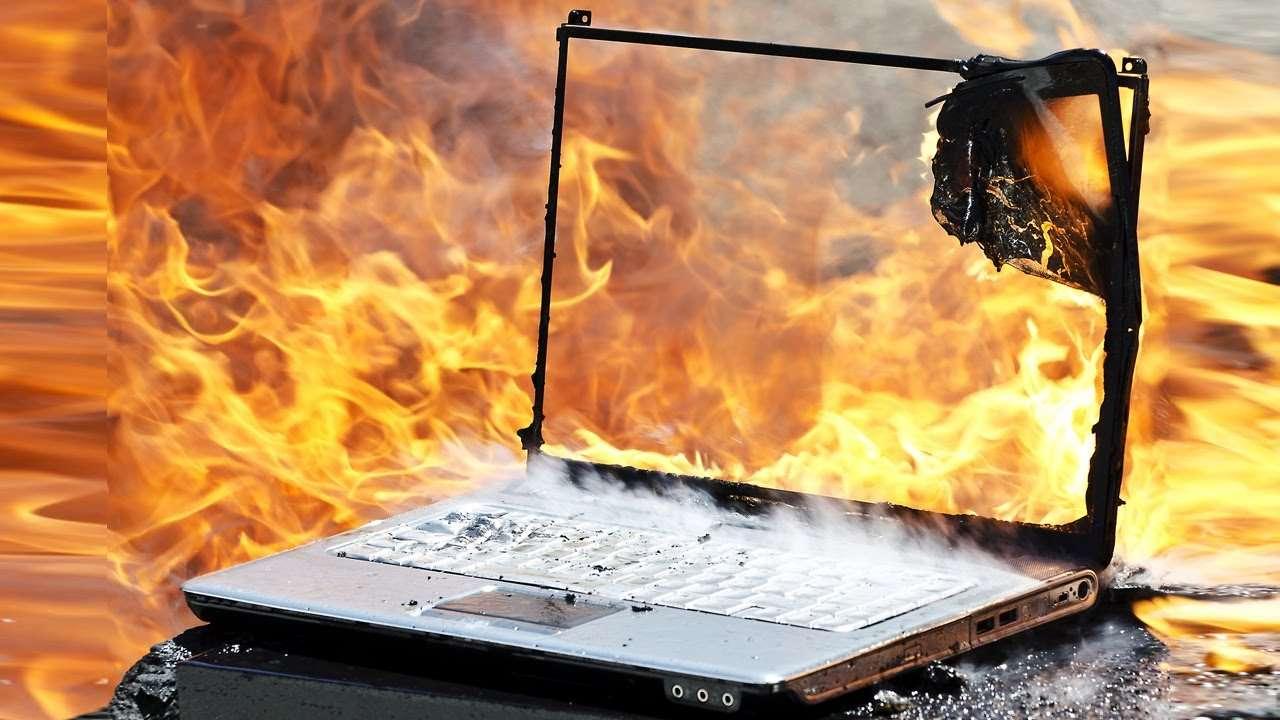Сильно греется Ноутбук